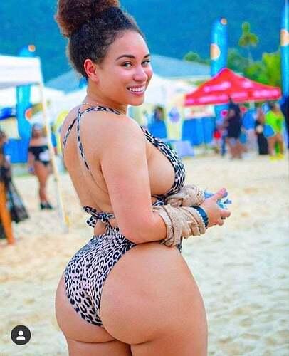 beach-booty-4e5wskpw2t-624x767