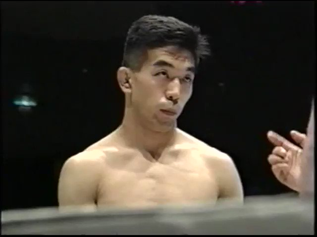 """caposa on Twitter: """"25 years today: Vale Tudo Japan '95 After being  permanently blinded by an eye gouge, legendary coach Yuki Nakai (135lb)  subs Gerard Gordeau (240lb). Despite his vision, Nakai fights"""